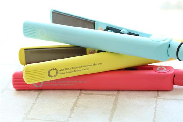 カラーバリエーション豊富な全7色!サロン仕様のチタニウム搭載ストレート&カールアイロン