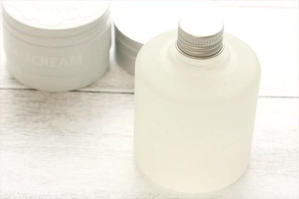 「スチームクリーム」ブランドの新アイテム誕生!みずみずしい肌を作る顔・からだ用化粧水
